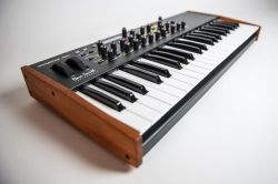 Dave Smith Mopho SE Keyboard